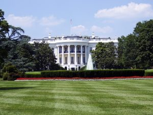 A picture of The White House from the distance.